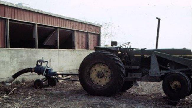 Un produttore di suini per poco non perse la vita in questa fattoria quando entrò per ispezionare i suoi suini,mentre stava agitando epompando dalla fossa.